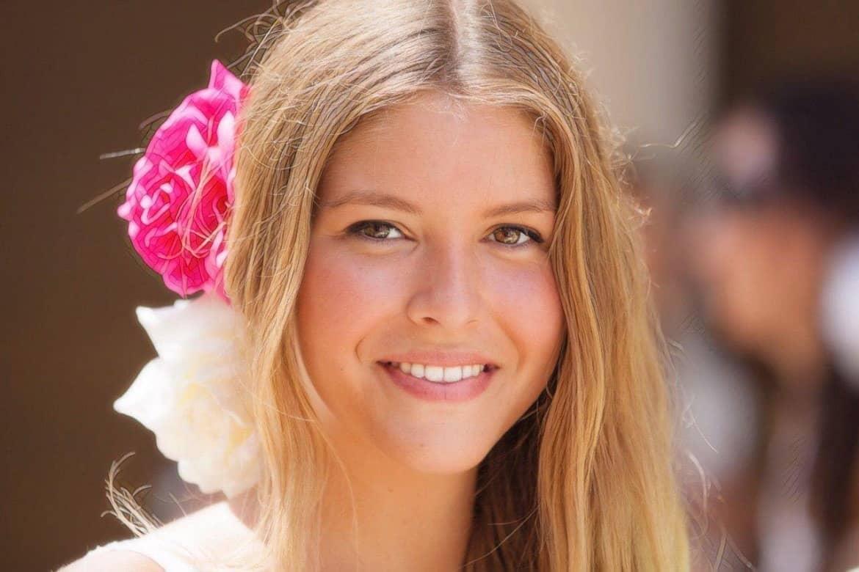 фото девушки перед косметологической ошибкой