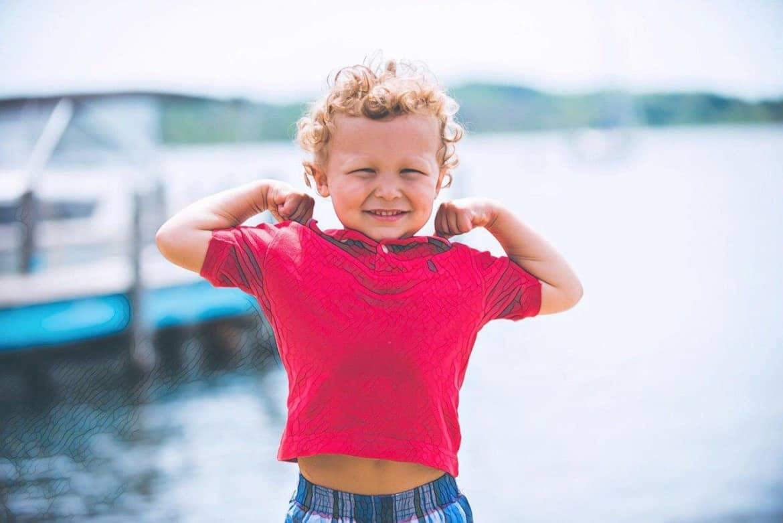 ребенок с прыщами фото