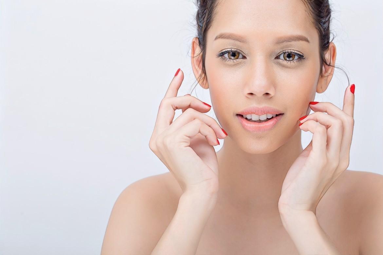 как подобрать идеальную тональную основу для проблемной кожи