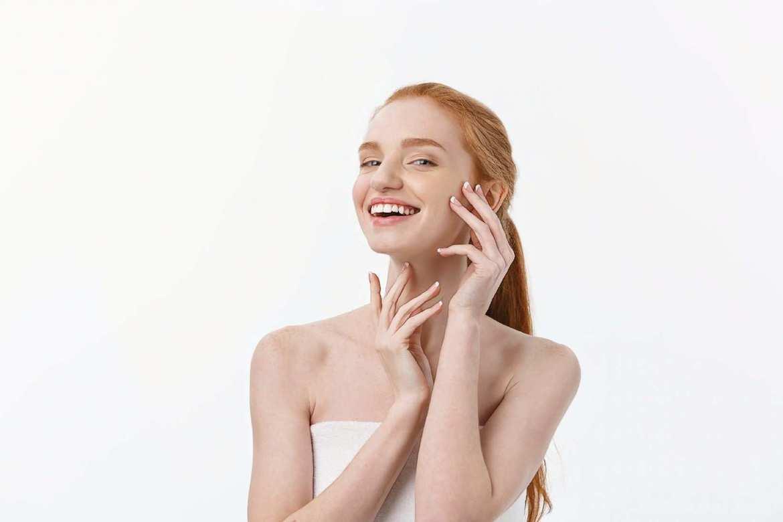 девушка после лечения акне на лице